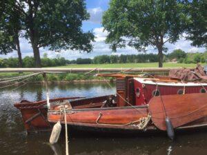De schepen: platbodem houten schouw Anny-Maria